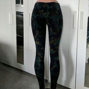 Nike Pants - Nike camo leggings nwot